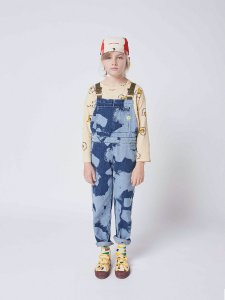 <img class='new_mark_img1' src='https://img.shop-pro.jp/img/new/icons14.gif' style='border:none;display:inline;margin:0px;padding:0px;width:auto;' /> Painting All Over denim dungaree /  BOBO CHOSES 21AW