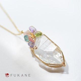 【一点もの】水晶と春さざれのワイヤーラップペンダント(14KGF)