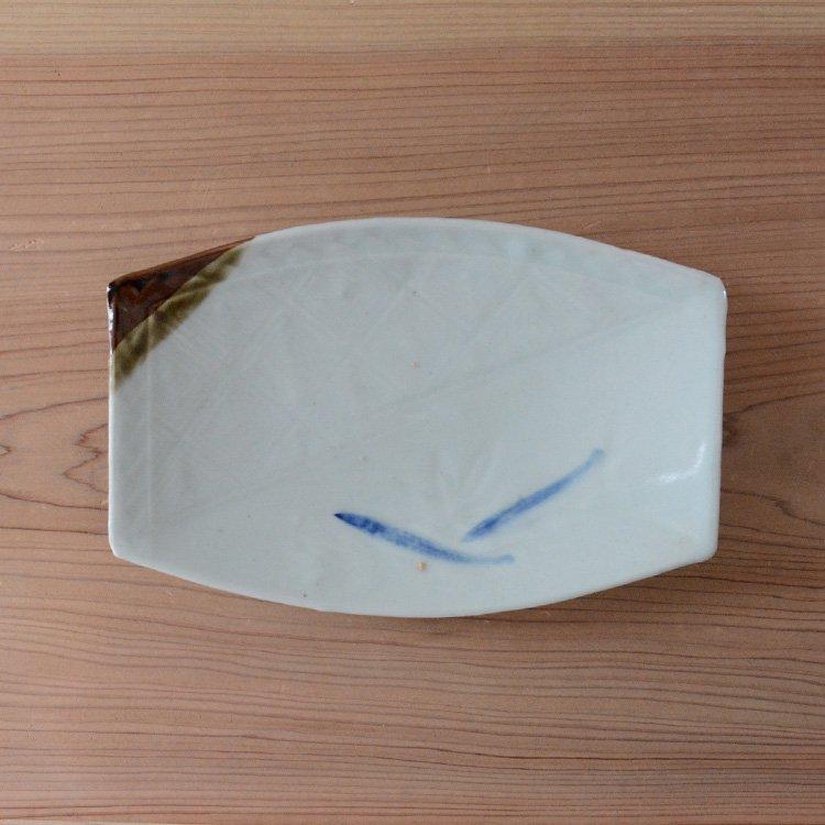 <img class='new_mark_img1' src='https://img.shop-pro.jp/img/new/icons8.gif' style='border:none;display:inline;margin:0px;padding:0px;width:auto;' />焼物皿 和食器 もみじ 魚 刺身 骨董 ジャパンヴィンテージ 陶器   Tableware Japan Vintage