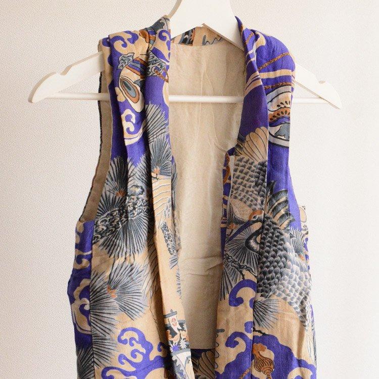 <img class='new_mark_img1' src='https://img.shop-pro.jp/img/new/icons8.gif' style='border:none;display:inline;margin:0px;padding:0px;width:auto;' />半纏 袖なし着物 綿入 ジャパンヴィンテージ 大正 昭和 子供用 鶴 | Kimono Vest Hanten Padded Japan Vintage Kids Crane