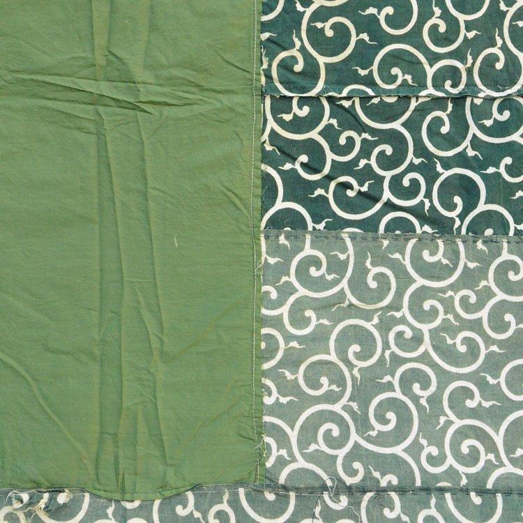 唐草模様 古布 つぎはぎ 木綿 油箪 ジャパンヴィンテージ 箪笥 カバー | Karakusa Fabric Japan Vintage Textiles Cotton Crazy Pattern