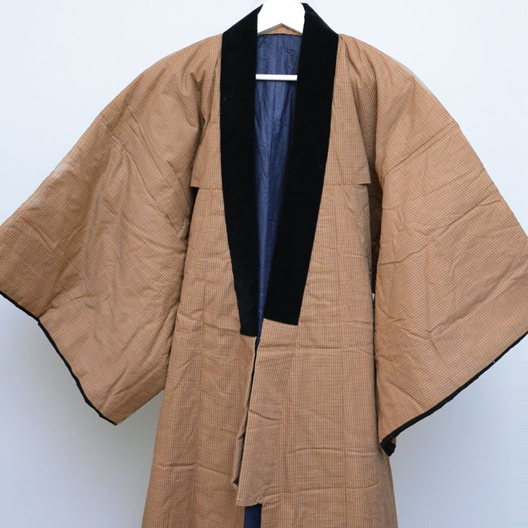 <img class='new_mark_img1' src='https://img.shop-pro.jp/img/new/icons8.gif' style='border:none;display:inline;margin:0px;padding:0px;width:auto;' />丹前 掻巻 綿入れ半纏 ジャパンヴィンテージ 着物 昭和中期 日焼け | Hanten Jacket Padded Japanese Vintage Kimono Tanzen