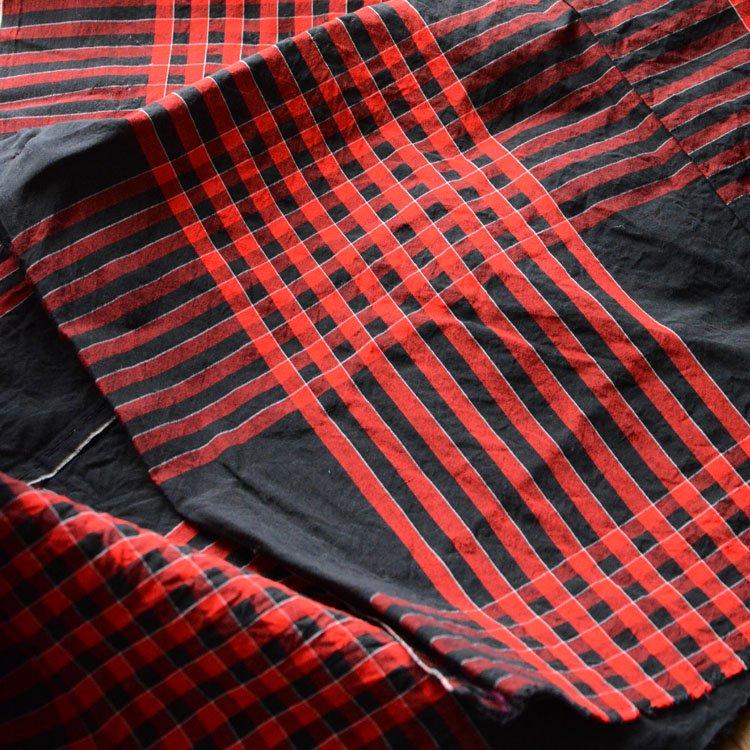 古布 木綿 黒 赤 ジャパンヴィンテージ ファブリック 昭和初期〜中期 | Japanese Fabric Cotton Vintage Black Red Textile