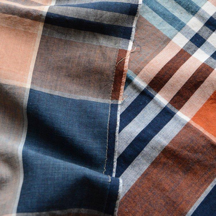 <img class='new_mark_img1' src='https://img.shop-pro.jp/img/new/icons8.gif' style='border:none;display:inline;margin:0px;padding:0px;width:auto;' />古布 藍染 木綿 格子 ジャパンヴィンテージ ファブリック テキスタイル 昭和   Japanese Fabric Vintage Indigo Cotton Check Pattern