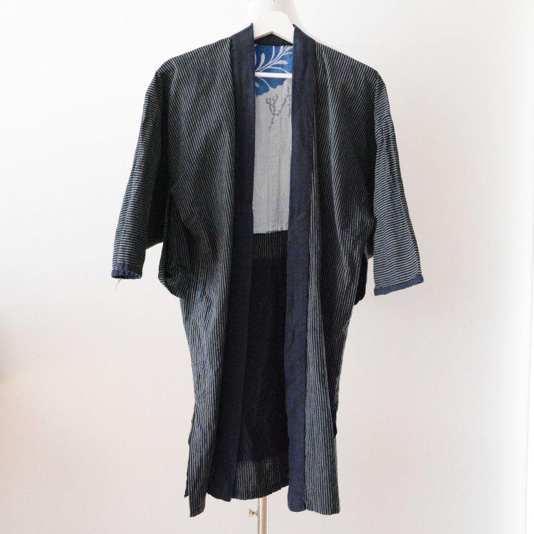 <img class='new_mark_img1' src='https://img.shop-pro.jp/img/new/icons8.gif' style='border:none;display:inline;margin:0px;padding:0px;width:auto;' />野良着 古着 藍染襟 手ぬぐい 木綿 着物 縞模様 ジャパンヴィンテージ 昭和   Noragi Jacket Kimono Cotton Stripe Tenugui Japan Vintage