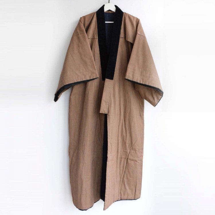 <img class='new_mark_img1' src='https://img.shop-pro.jp/img/new/icons8.gif' style='border:none;display:inline;margin:0px;padding:0px;width:auto;' />丹前 綿入れ 防寒 着物 半纏 褞袍 掻巻 ジャパンヴィンテージ 昭和中期 | Tanzen Kimono Vintage Japanese Hanten Padded Robe Winter