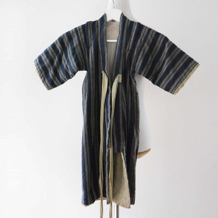 <img class='new_mark_img1' src='https://img.shop-pro.jp/img/new/icons8.gif' style='border:none;display:inline;margin:0px;padding:0px;width:auto;' />背守り刺繍 着物 子供 綿入れ半纏 藍染 木綿 ジャパンヴィンテージ 大正 昭和 | Kimono Kids Hanten Padded Indigo Cotton Back Embroidery