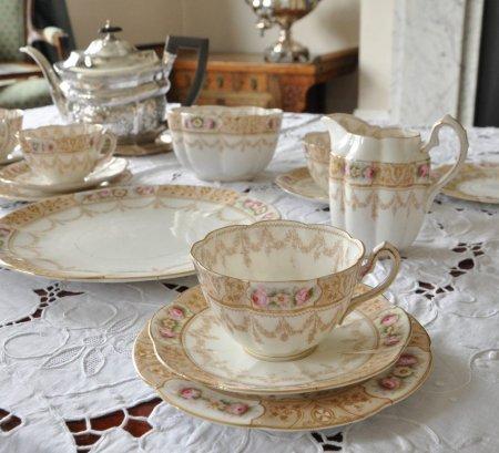 ウィリアム ロウ アンティーク ティーカップセットの画像