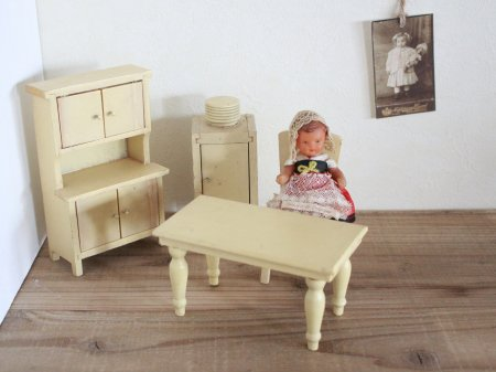 Wooden Doll House Furniture Setの画像