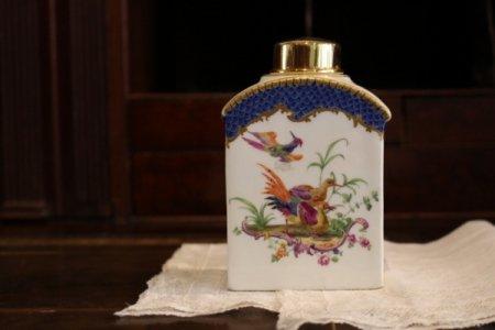 古マイセン・極楽鳥たちの紅茶壺の画像