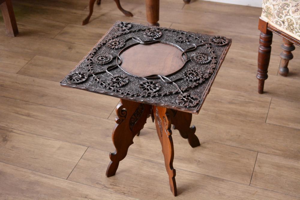 1110 折り畳み式カーヴィングテーブルの画像
