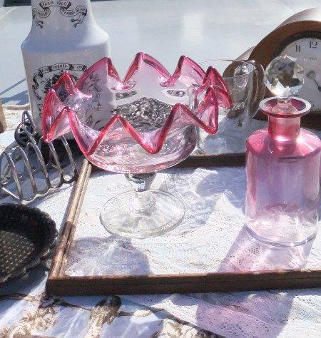 クランベリー ガラス コンポートの画像