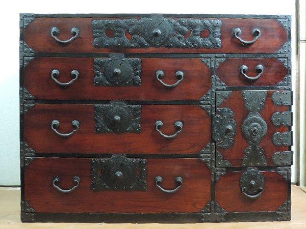岩谷堂箪笥 欅 太鼓鋲 肉厚金具の画像