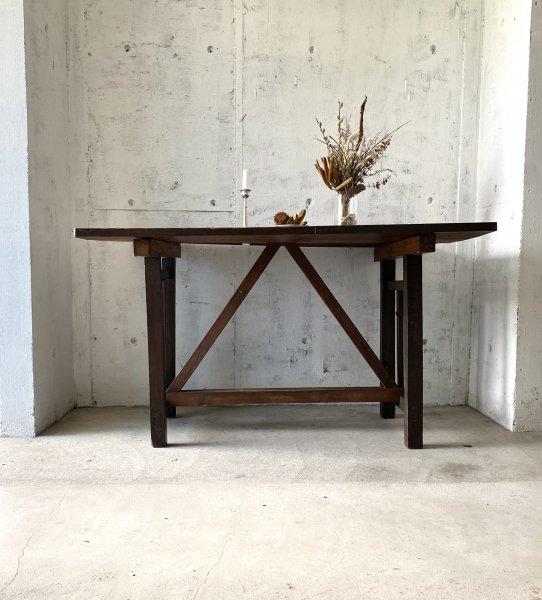 味のある木製テーブル[古家具]の画像