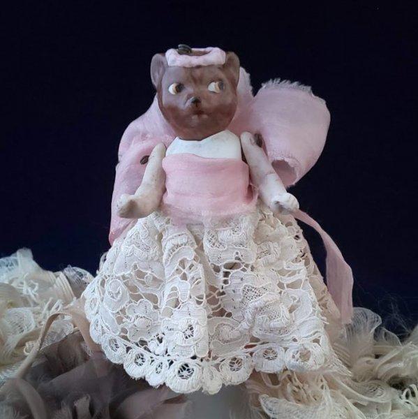 アンティーク ドール ミニョネット オールビスク アニマル・ヘッド 犬?狸? ピンクの花冠 グーグリー フラガールの画像