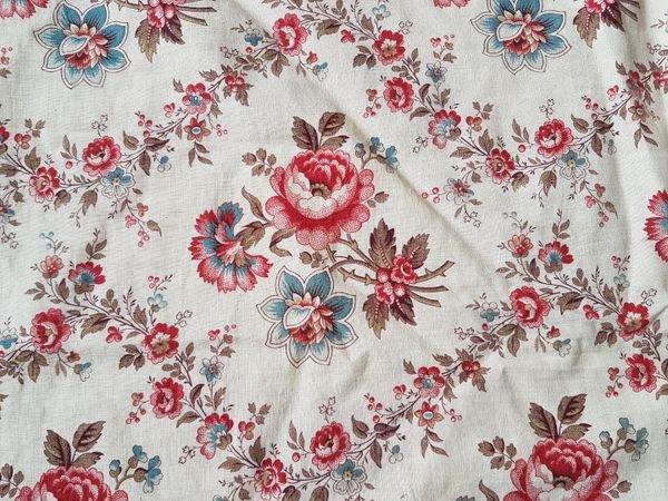 アンティ—クフレンチ花柄ファブリックの画像