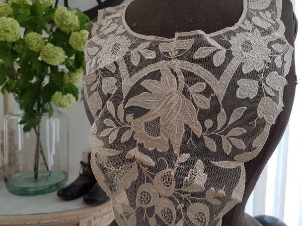 アンティークレース付け襟の画像