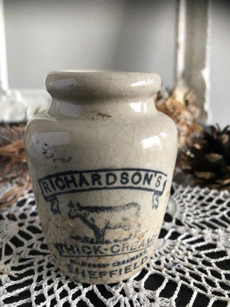 RICHARDSON'S THICK-CREAMのボトルの画像