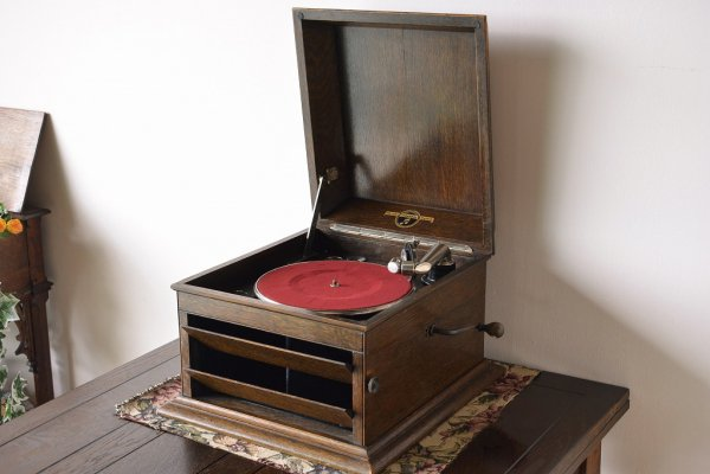 kz148 テーブルグラモフォン(蓄音機) 【Columbia】の画像