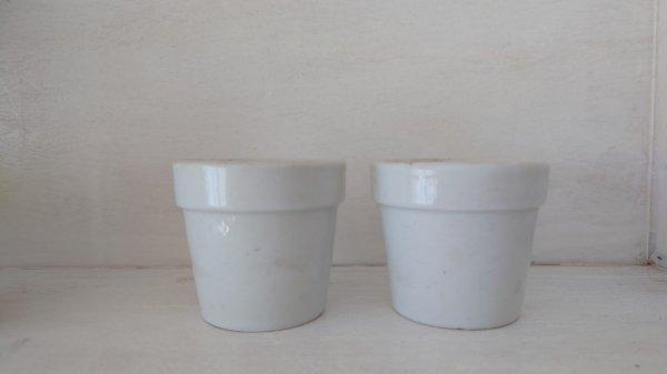 小さな白磁の植木鉢(2個セット)の画像