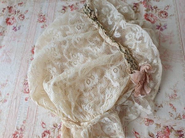 ロココ装飾レースボンネットの画像