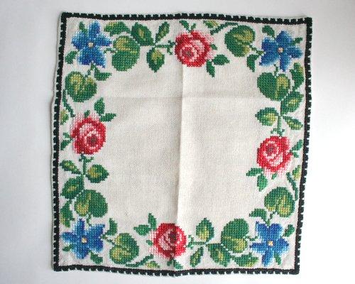 スウェーデン製ハンド刺繍のクロスの画像
