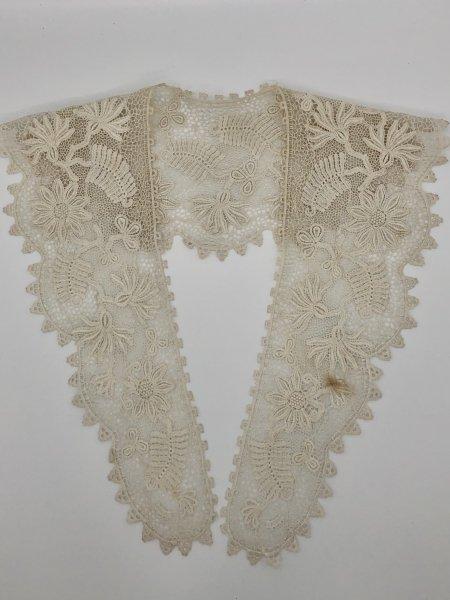 ボビンレース アンティークレース つけ衿の画像