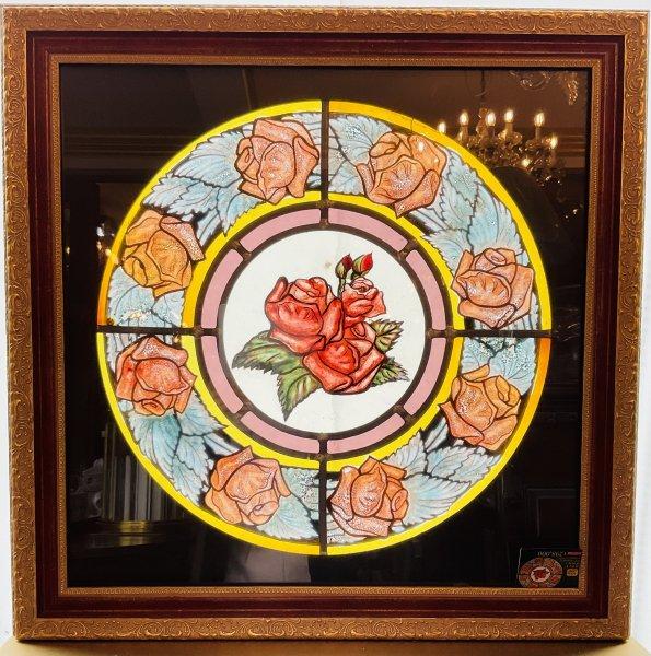 【額縁付き】薔薇のステンドグラスの画像