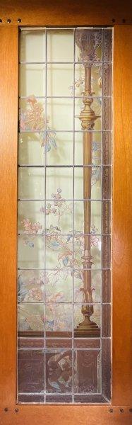 花と石膏柱イラストのステンドグラスの画像