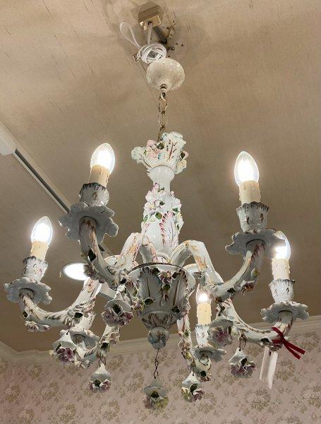 アンティーク 陶花の照明の画像