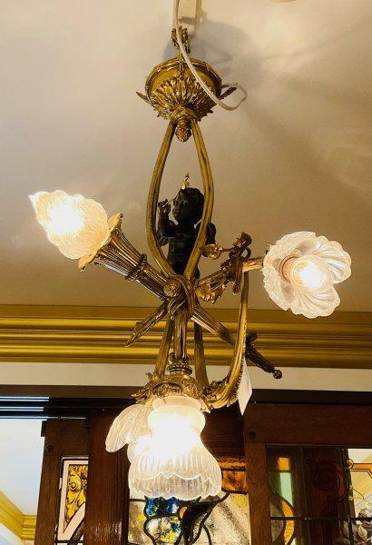 アンティーク 天使の照明の画像