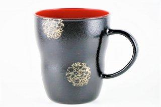 耐熱ガラスのマグカップ 黒(内側:朱)