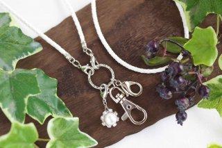 【pearls & crystals】パール&クリスタル・スマホロングストラップ(2)<ホワイト×シルバー>[コットンパール/スワロフスキークリスタル]