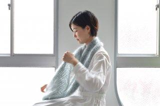 色を混ぜて編むモヘヤスヌード