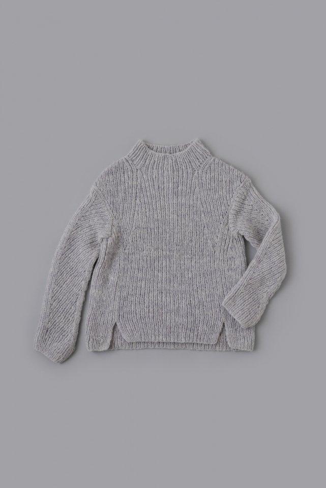 リブ編みの変形セーター