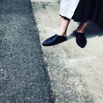 <img class='new_mark_img1' src='https://img.shop-pro.jp/img/new/icons20.gif' style='border:none;display:inline;margin:0px;padding:0px;width:auto;' />【20%OFF】BEAUTIFUL SHOES Pointed Babouche(ビューティフルシューズ  ポインテッド バブーシュ)Black