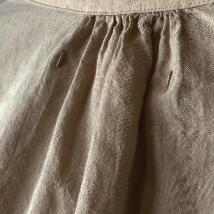 ikkuna/suzuki takayuki gathered-sleeve blouse(イクナ/スズキタカユキ ギャザードスリーブブラウス)Hazel