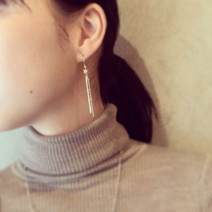 momocreatura Shooting Star Earrings Gold(流れ星ピアス ゴールド)