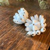 1950's Milk Glass Flower Earrings(1950年代 ミルクガラス フラワー イヤリング)