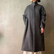 <img class='new_mark_img1' src='https://img.shop-pro.jp/img/new/icons20.gif' style='border:none;display:inline;margin:0px;padding:0px;width:auto;' />【20%OFF】suzuki takayuki stand-fall-collar coat�(スズキタカユキ スタンドフォールカラーコート�)Grey
