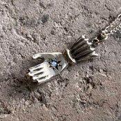 momocreatura Hand Necklace Opal(ハンドネックレス 燻しシルバー×オパール)