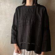 VINCENT JALBERT Pullover Monogram(ヴィンセント ジャルベール プルオーバー モノグラム刺繍)Black