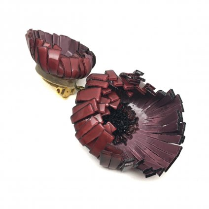 <img class='new_mark_img1' src='https://img.shop-pro.jp/img/new/icons20.gif' style='border:none;display:inline;margin:0px;padding:0px;width:auto;' />【30%OFF】Cilea PARIS Bordeaux Flower Swing Earrings(シレアパリ ボルドー フラワー スイングイヤリング)