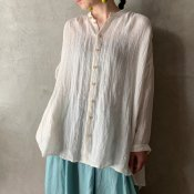 <img class='new_mark_img1' src='https://img.shop-pro.jp/img/new/icons56.gif' style='border:none;display:inline;margin:0px;padding:0px;width:auto;' />suzuki takayuki over blouse(スズキタカユキ オーバーブラウス)Nude