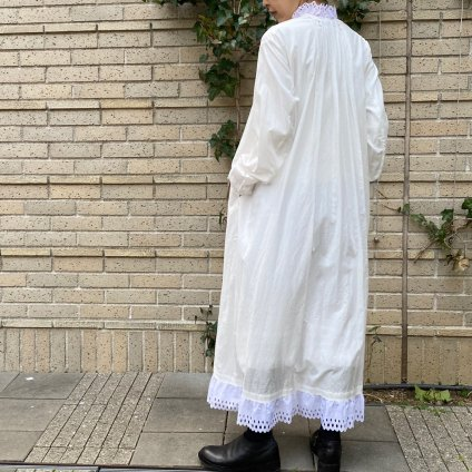<img class='new_mark_img1' src='https://img.shop-pro.jp/img/new/icons13.gif' style='border:none;display:inline;margin:0px;padding:0px;width:auto;' />HALLELUJAH 12, Robe Victorian(ハレルヤ ヴィクトリア時代 ローブ)White