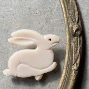 1960's French Galalith White Rabbit Brooch(1960年代 フランス ガラリス ホワイト うさぎ ブローチ)Dead Stock