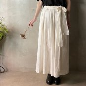 <img class='new_mark_img1' src='https://img.shop-pro.jp/img/new/icons13.gif' style='border:none;display:inline;margin:0px;padding:0px;width:auto;' />suzuki takayuki culotte pants(スズキタカユキ キュロットパンツ)Nude