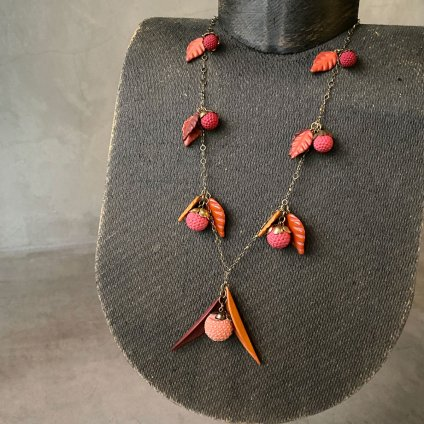 1950's French Berry and Leaf Necklace(1950年代 フランス 木の実と葉っぱ ネックレス)