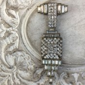 <img class='new_mark_img1' src='https://img.shop-pro.jp/img/new/icons13.gif' style='border:none;display:inline;margin:0px;padding:0px;width:auto;' />1930's Rene Mittler Paste Brooch(1930年代 ルネ・ミットレー ペーストガラス ブローチ)