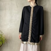 <img class='new_mark_img1' src='https://img.shop-pro.jp/img/new/icons13.gif' style='border:none;display:inline;margin:0px;padding:0px;width:auto;' />Vintage Gold Line Sequins Tunic(ヴィンテージ ゴールドラインスパンコール チュニック)
